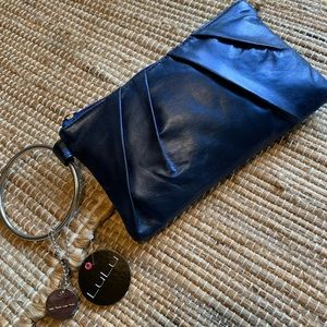 🎁🆕 NWT Beautiful clutch/wristlet